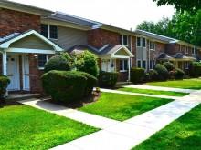Eagle Rock Apartments at Woodbury, Westbury, NY