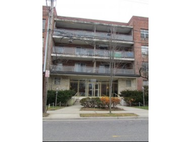 76 South Bergen Place, Freeport, NY