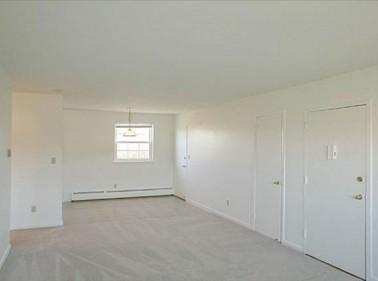 Bradford Commons Apartments, Newington, CT